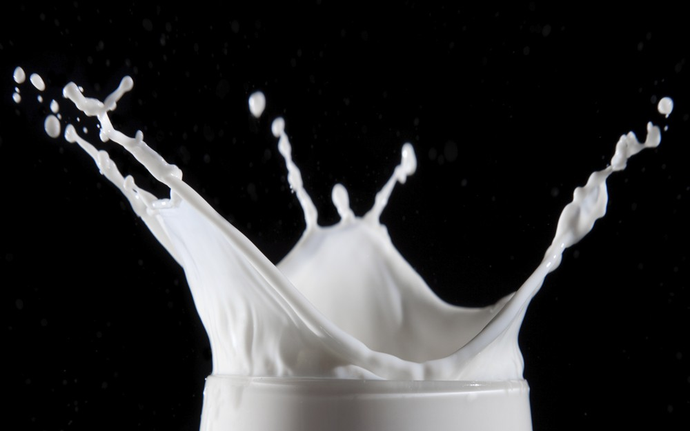 milk alternatives, cow milk, soy milk, nut milk, rice milk, pea milk, coconut milk, oat milk