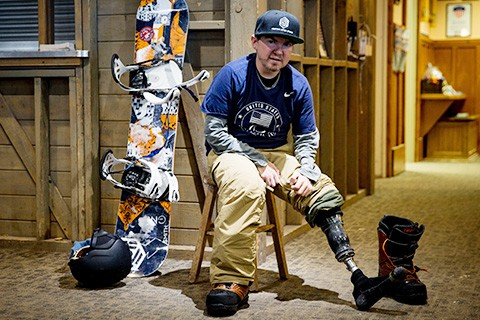 Snowboarder with a prosthetic leg