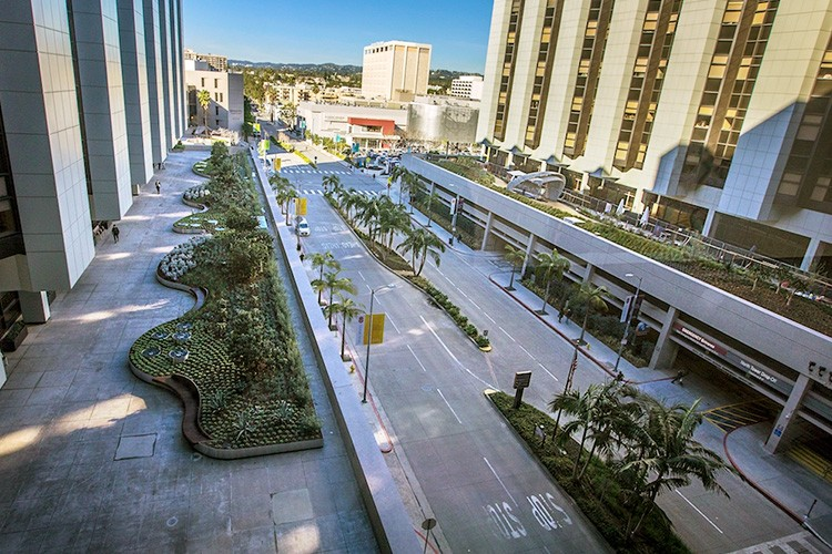 The Healing Gardens are situated on top of Cedars-Sinai's north and south parking garage roofs.