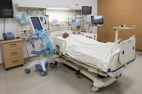 The intensive care unit is a functional space with all equipment that might be found in a standard ICU including crash cart and intubation supplies.